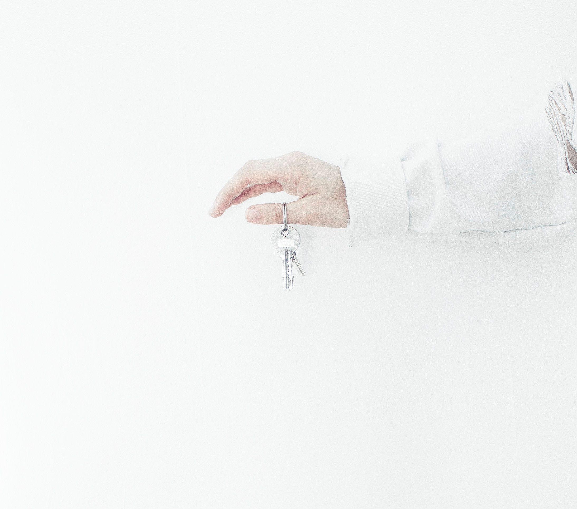 Ouvrir son agence immobilière : indépendante ou franchisée ?