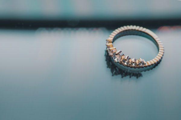 Quel alliage choisir pour une bague de fiançailles ?